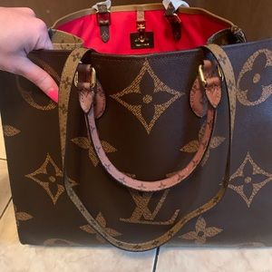 Lv on the go tote